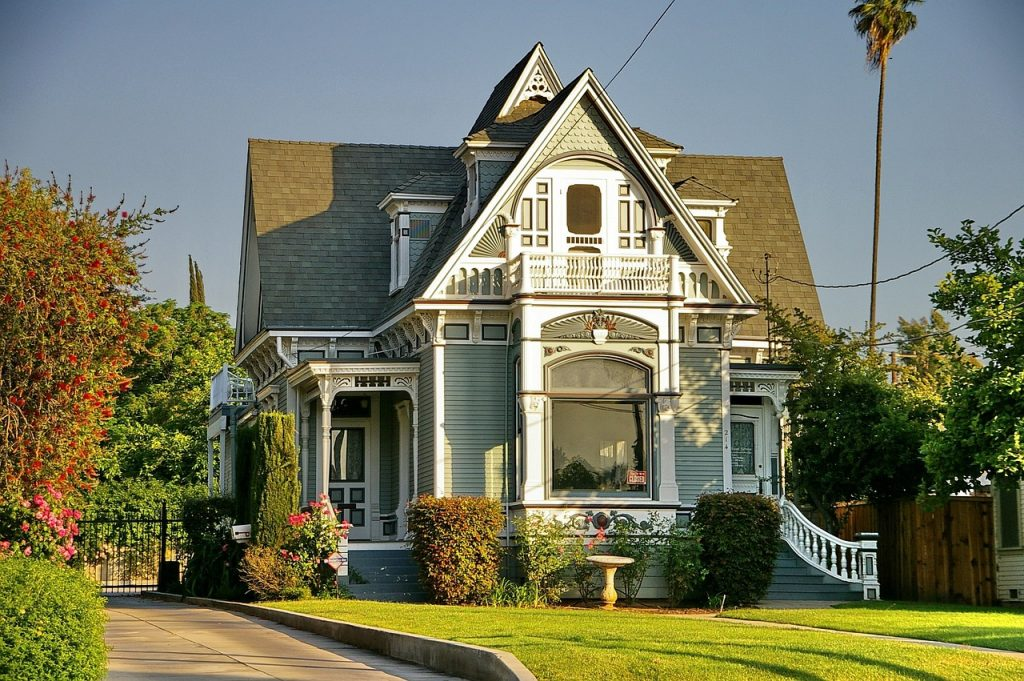 New Home know it all victorian-style-1647594_1280-1024x681 Popular Home Styles And Types Of Houses